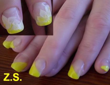 žlutá francouzská + 3D zdobení na palcích