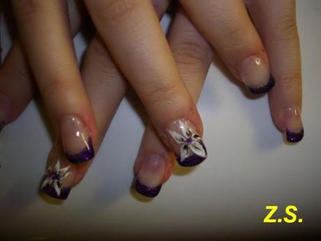 ... - gelové nehty - gelové nehty - fialová francouzská + kytka